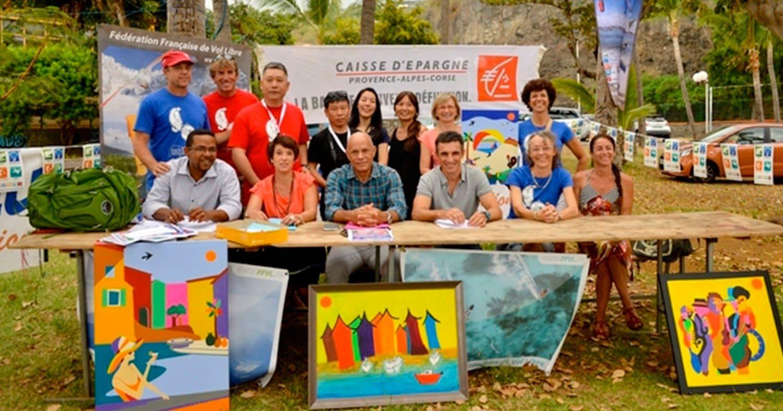 Organisateurs, partenaires et quelques pilotes de La Route des Tamarins Parapente World Cup Series 2014 à La Réunion
