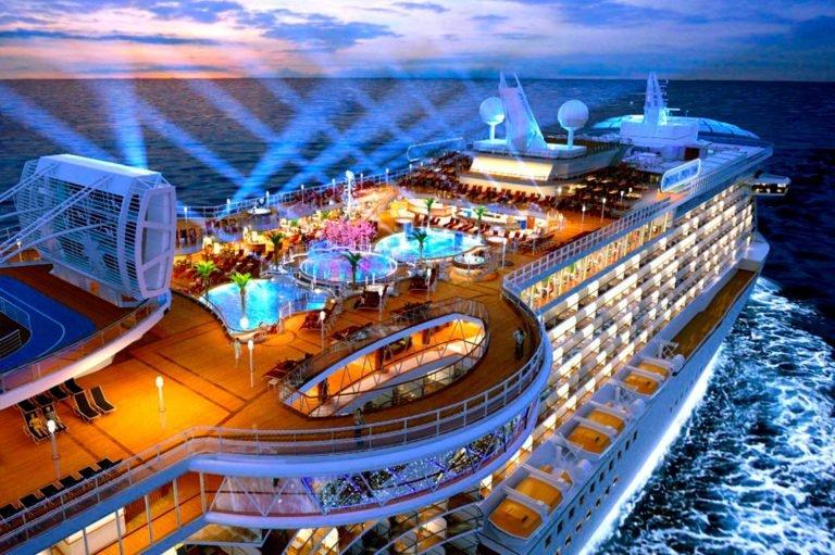 ACCUEIL-Ocean Princess cruise ship in port Victoria in Seychelles