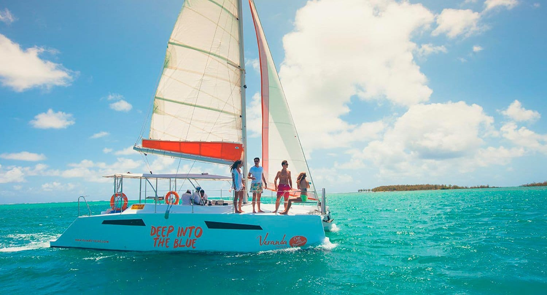 "ARTICLE-Veranda Resorts launches its catamaran ""Deep into the blue""."