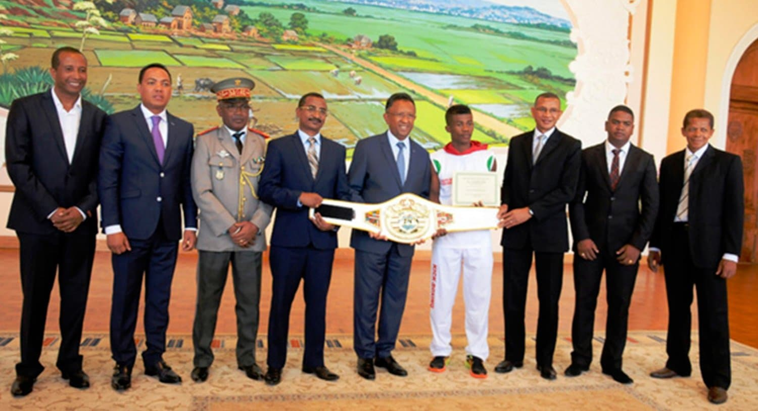 ARTICLE-Séverin Mamonjisoa, world kickboxing champion