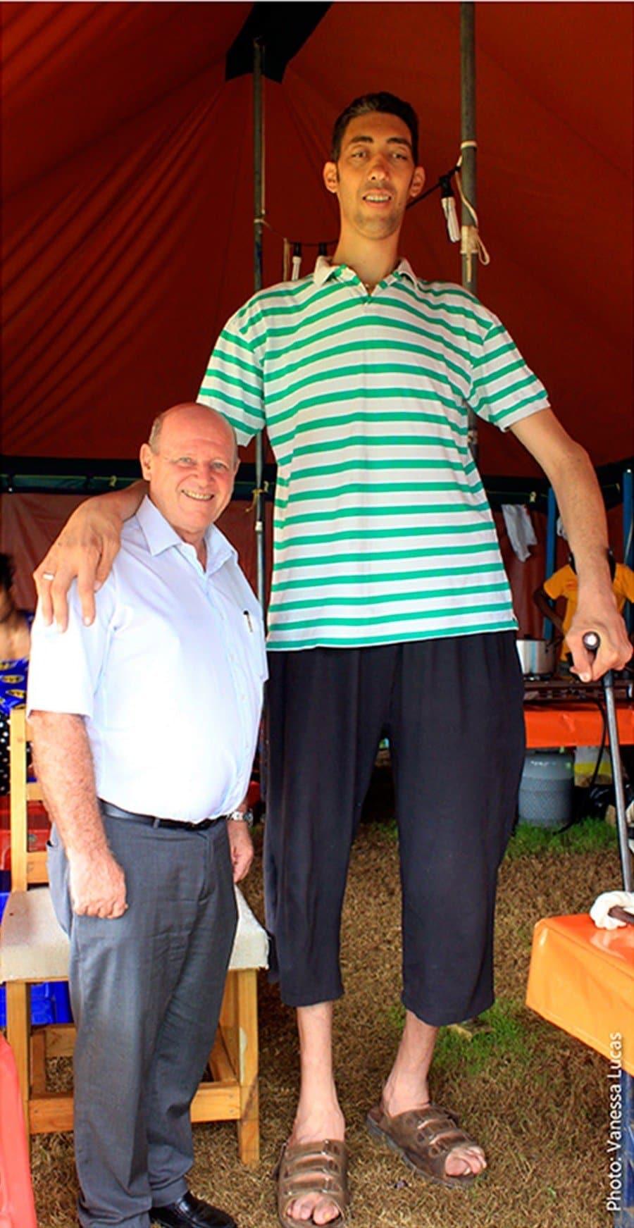 ARTICLE-L'homme le plus grand du monde aux Seychelles