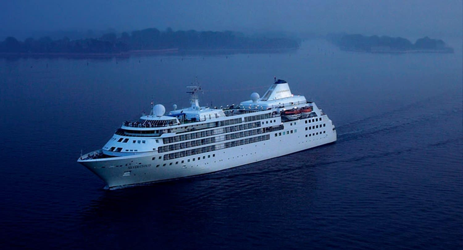 ARTICLE-The MV Silver Cloud, 1st visiting cruise ship of the Mayotte cruise season