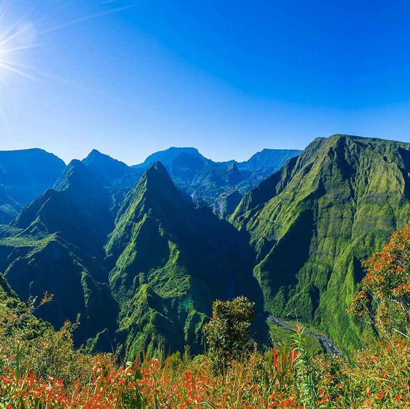 Reunion island - Green mountain landscape