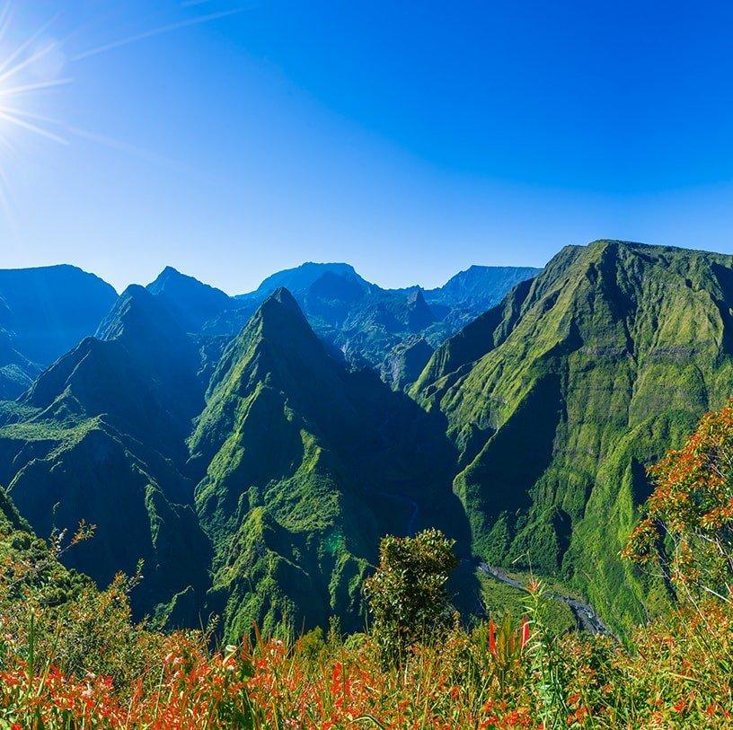 Île de la Réunion - Paysage montagneux verdoyant