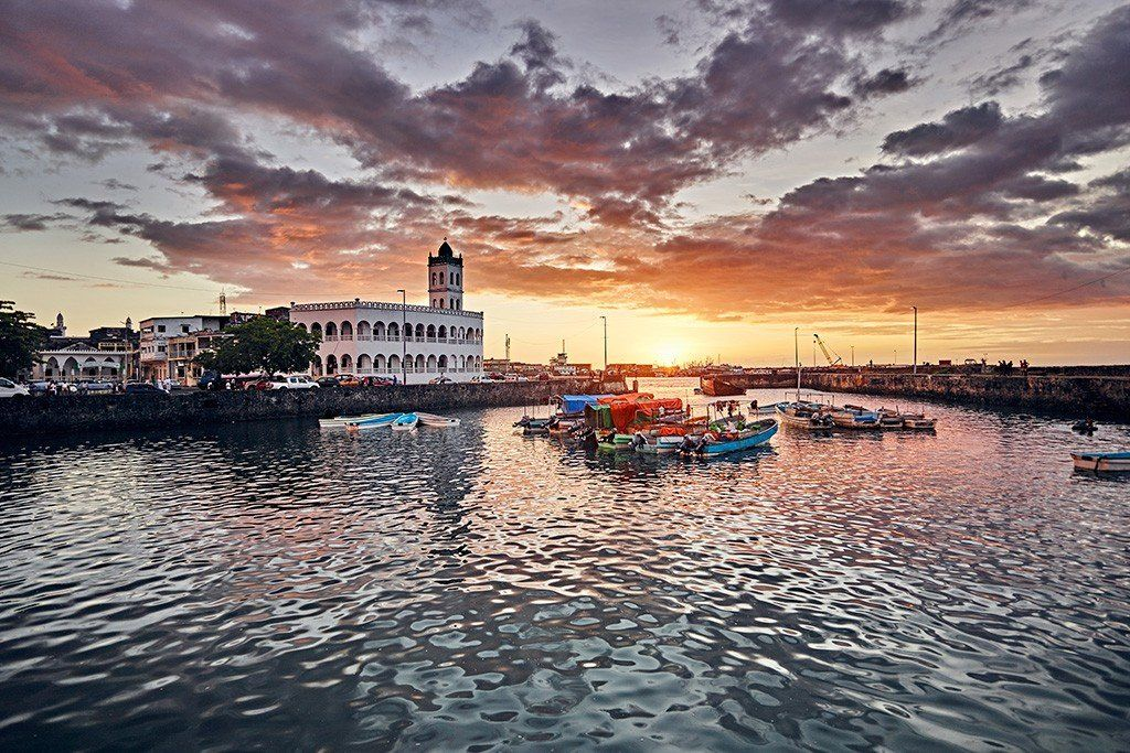 Les Comores - Fort sur le port