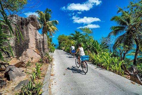 i-v-ecotourisme-cycling