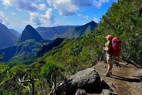 i-v-ecotourisme-reunion-randonne-montagne