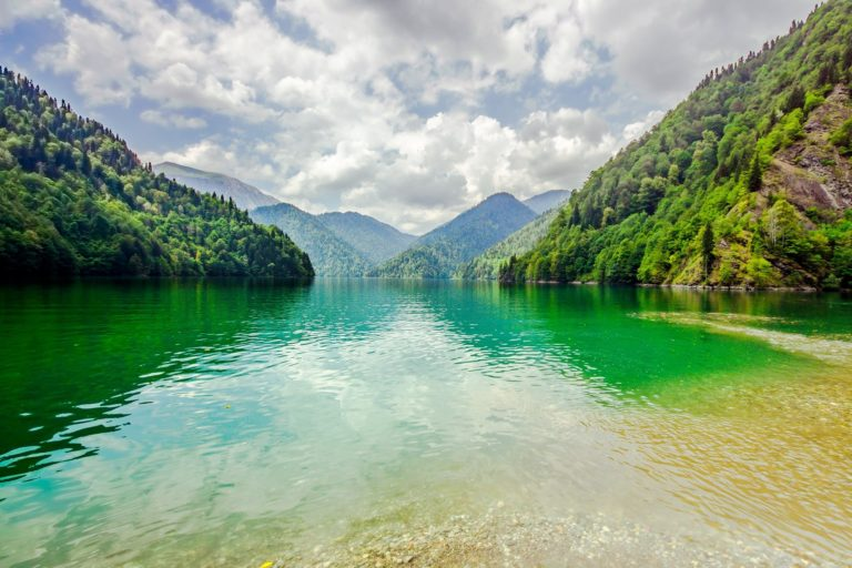 ile-vanille-home-comores-lac-montagne